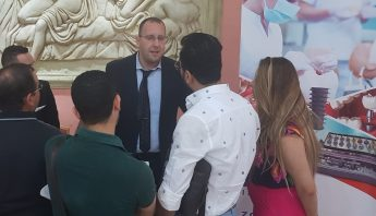 Système d'implant IBS en Tunisie pour la première fois lors d'une formation académique
